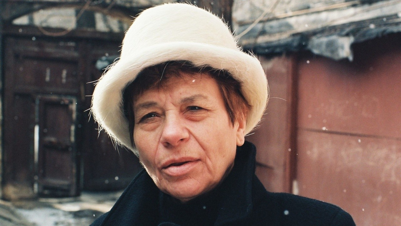 The Lady with the White Hat